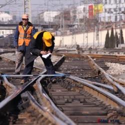 钢轨 轨道钢 轻轨 重轨 起重轨 钢轨 钢材道轨钢 铁轨钢轨 轨道厂家图片